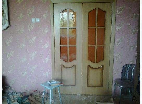 Установка межкомнатных дверей в Новосибирске
