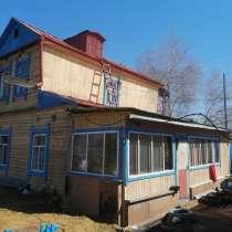 Двух этажный дом, в Якутске