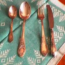 Комплек серебрянных ложек вилок чайной ложки ножа, в г.Баку