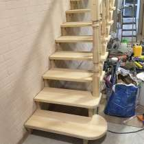 Деревянная лестница (сборочный комплект) сосна, ясень, бук, в г.Костанай