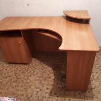 Компьютерный стол, в Благовещенске