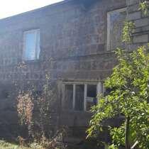 Продаю дом в Армении г. Ехегнадзор 370 м² на участке 12 сот, в г.Джермук