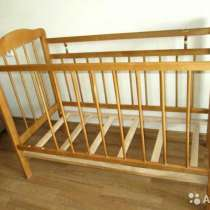 Продам кроватку с матрацем, балдахином и креплениями, в Новороссийске