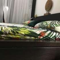 Продаётся современная большая кровать с балдахином, в г.Дубай