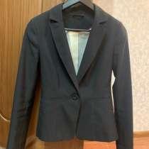Чёрный женский пиджак зауженный, в Санкт-Петербурге