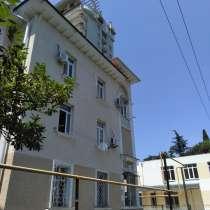 Сталинка в центре Сочи, в Сочи