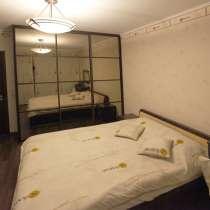 Двуспальную кровать отдам бесплатно, в Москве