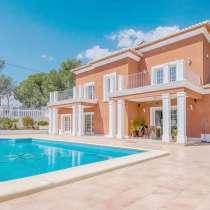 Великолепная вилла в Испании с красивым видом на море и горы, в Саратове