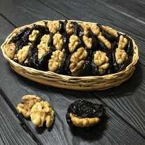 Фруктовое ассорти из чернослива, ядра грецкого ореха, в г.Одесса