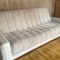 Продажа срочно диванов почти новые стояли без пользования, в Видном
