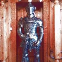 Скульптура рыцаря из металла, в Сочи