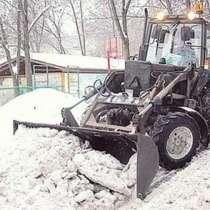 Аренда трактора МТЗ, погрузчиков. Уборка снега трактором, в Москве