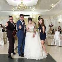 Ведущий на свадьбу, в Москве