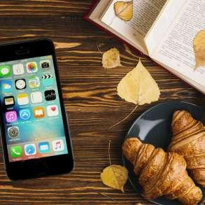 IPhone 5S (32 Гб) оригинальный, в Москве