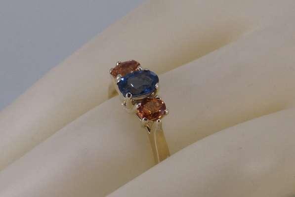 Кольцо золотое с цветными Сапфирами в Москве