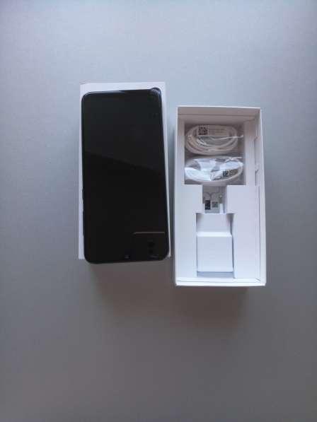 Телефон Samsung Galaxy A30