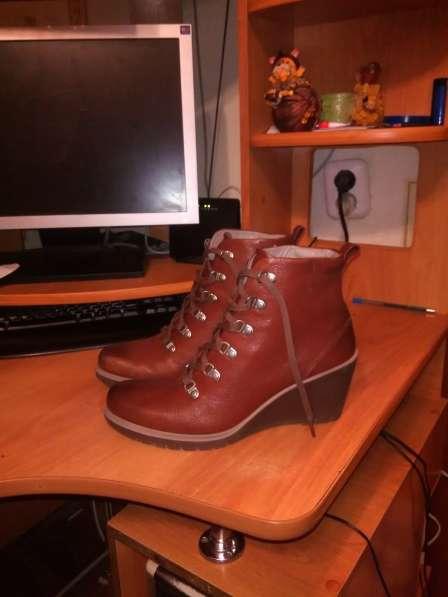 Осенние ботинки Экко 41 размер новые