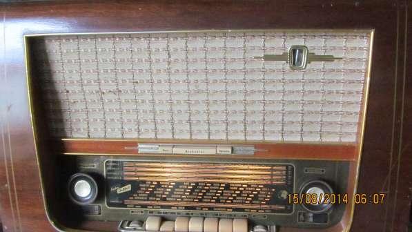 Ламповый радиоприемник. раритет!
