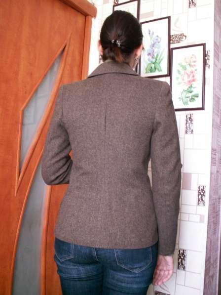 Твидовый пиджак в Сургуте