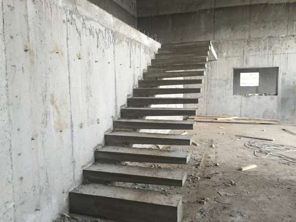 Эксклюзивные монолитные лестницы в