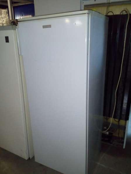 Продам рабочий холодильник Электролюкс