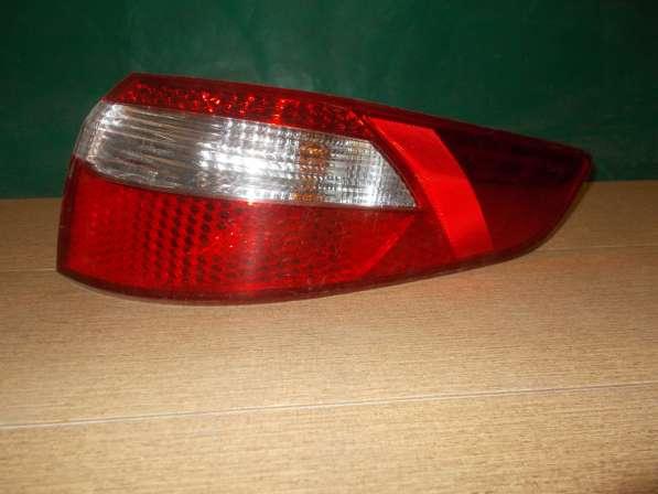 Задний правый фонарь на Kia Rio 3