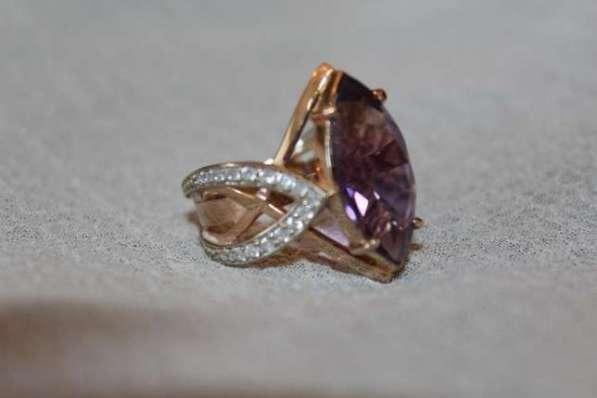 Золотой женский перстень