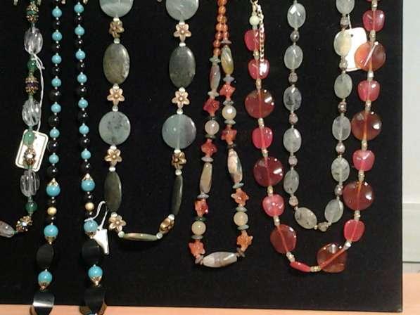 Эксклюзивные бусы, браслеты из камня