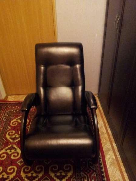 Продам кресло качалку 10 т