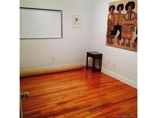 Квартира в Бэй-Харбор-Айлендс в фото 4