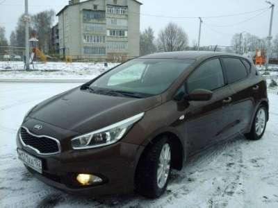 автомобиль Kia Ceed