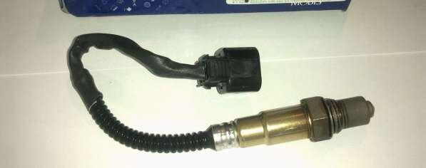 Датчик кислорода задн после каталика Hyundai/Kia 3921022620