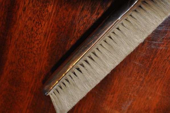 Старая щётка для одежды, серебро-Британия