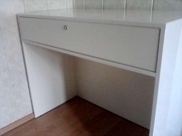 Шкафы и стойки с решётками
