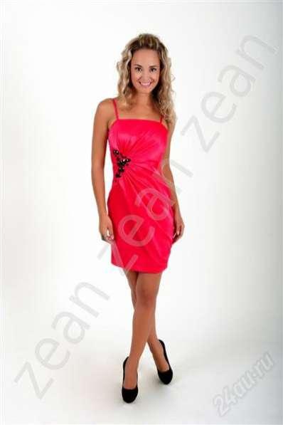 Платье коктейльное Zean