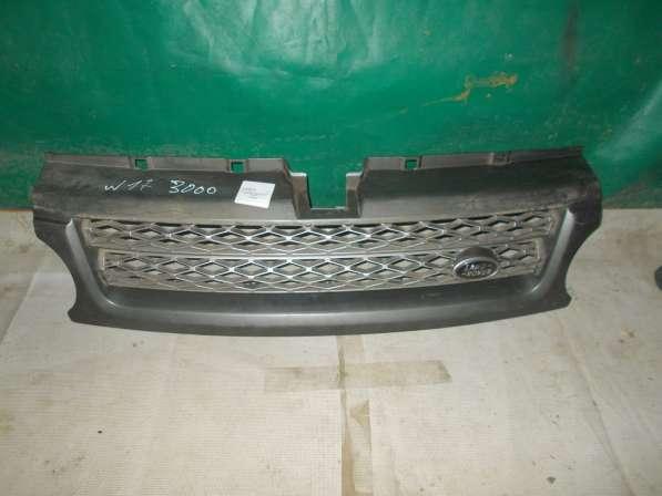 Оригинальная решетка радиатора на Land/Range Rover Sport