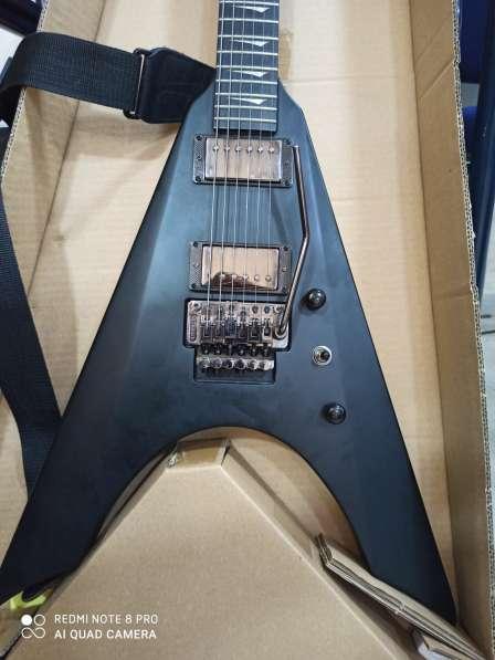 KRAMER Гитара из США в фото 7