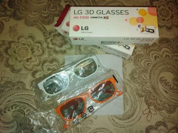 Продам рабочий 3D телевизор LG 42LW575S диагональю 42 дюйма в Иркутске