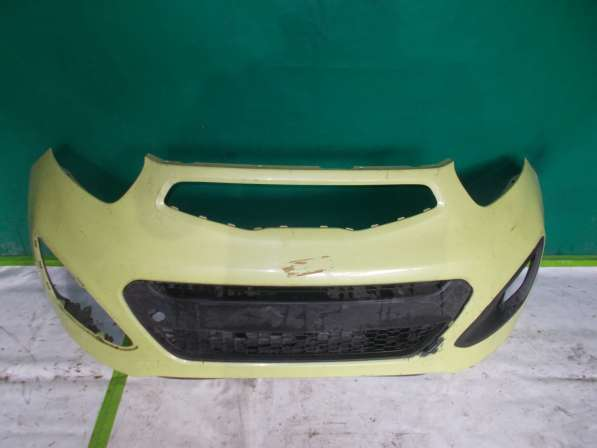 Продается передний бампер на Кia pikanto (жёлтый)