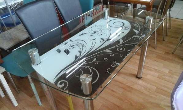 Стол обеденный стеклянный