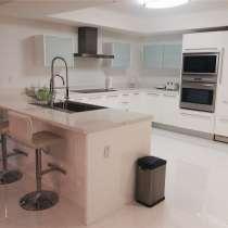 Апартамент в Санни-Айлс в кондоминиуме ST. TROPEZ ON THE BAY, в г.Майами