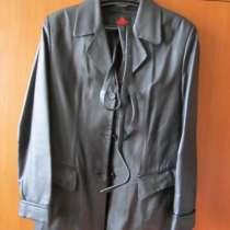 Куртка демисезонная женская кожаная р-р 46, в Екатеринбурге