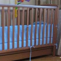 Продам кроватку Baby Italia с матрасом, в Москве