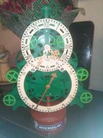 Уникальные часы-елка ходят и мигают создают предновогоднее н, в Звенигороде