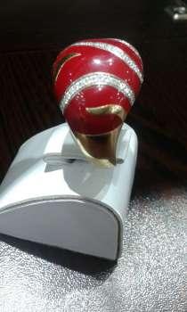 Золотое кольцо с кораллом и бриллиантами, в Москве