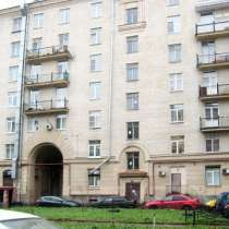 Комната 18 кв. м в трехкомнатной квартире, в Санкт-Петербурге