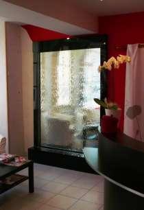 Водопады по стеклу — возможность созерцать воду каждый день, в г.Минск