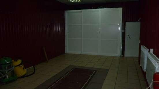 Продается большой бокс с внутренней отделкой на Бархатовой