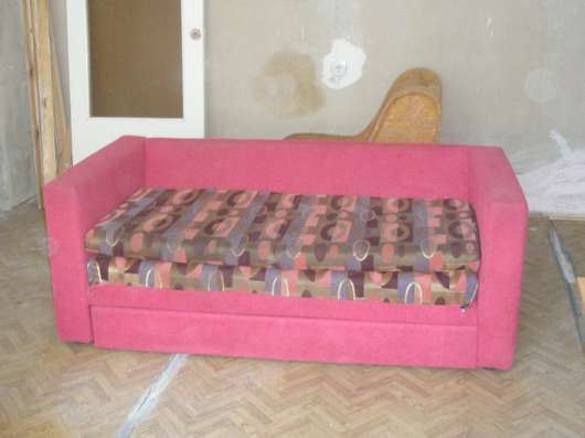 Стенка, мягкий уголок, два дивана