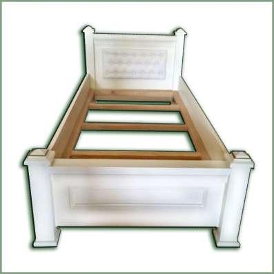 Одноместная эксклюзивная кровать без матраса